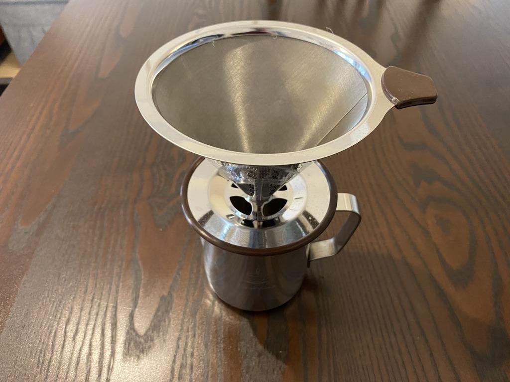 ピッチャーとコーヒーフィルターを合体する